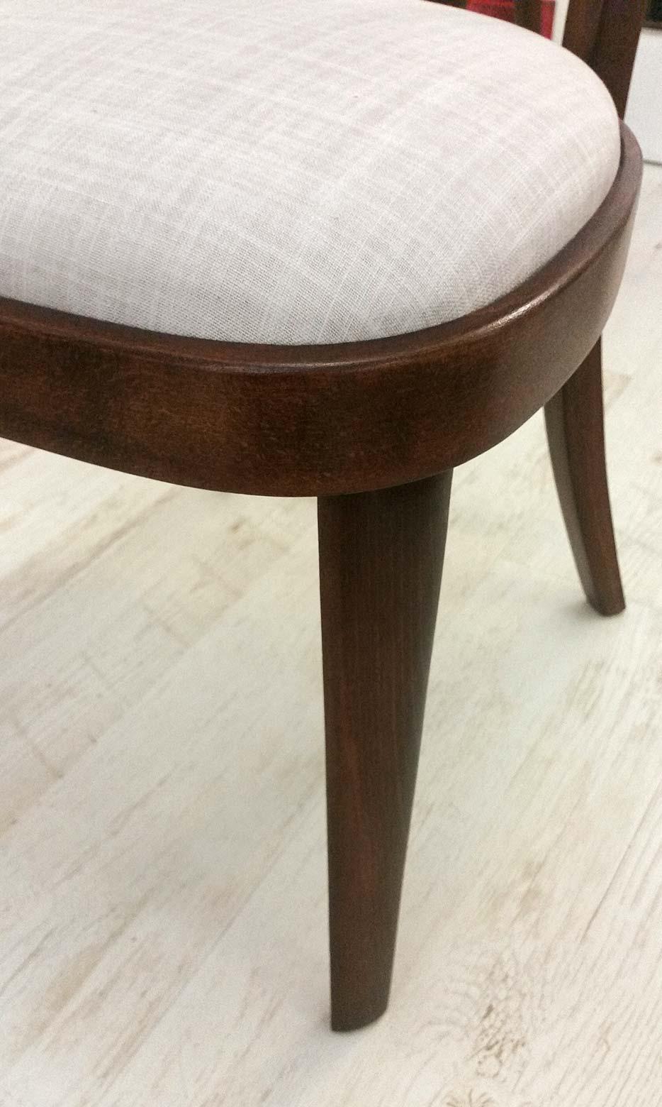 Židle Thonet - kompletní renovace, detail čalounění.<br>Látka ROMO - kolekce DUNE